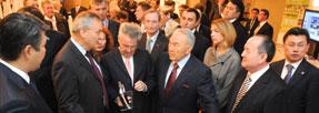 Dr. Glinzerer mit Kasachstans Präsident Nursultan Nasarbajew