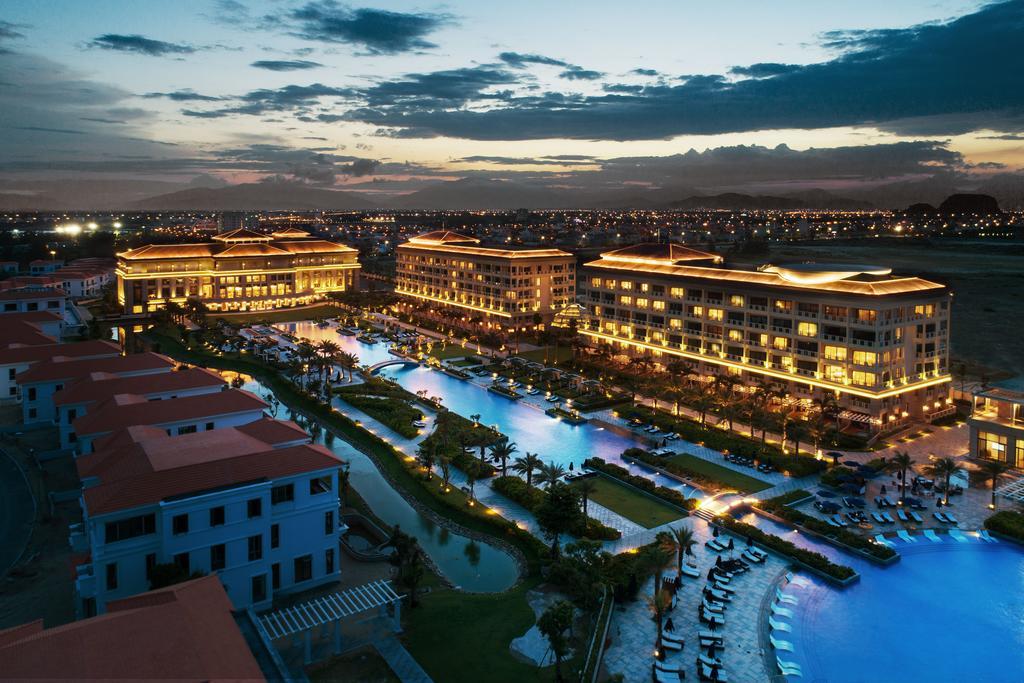 Sheraton Grand Danang Resort, Vietnam
